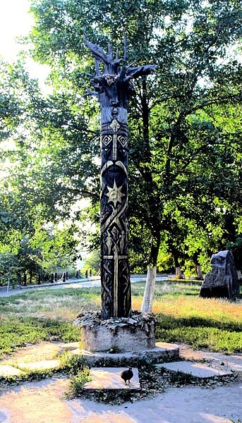 Wooden statue of Perun in Kiev, Ukraine, erected in 2009, destroyed in 2012 by unknowns.